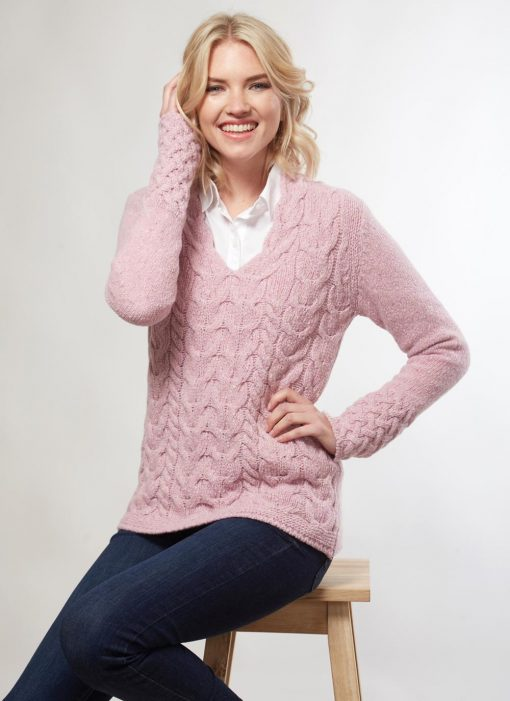 irelands-eye-644-wool-cashmere-horseshoe-sweater-pink-01_2000x